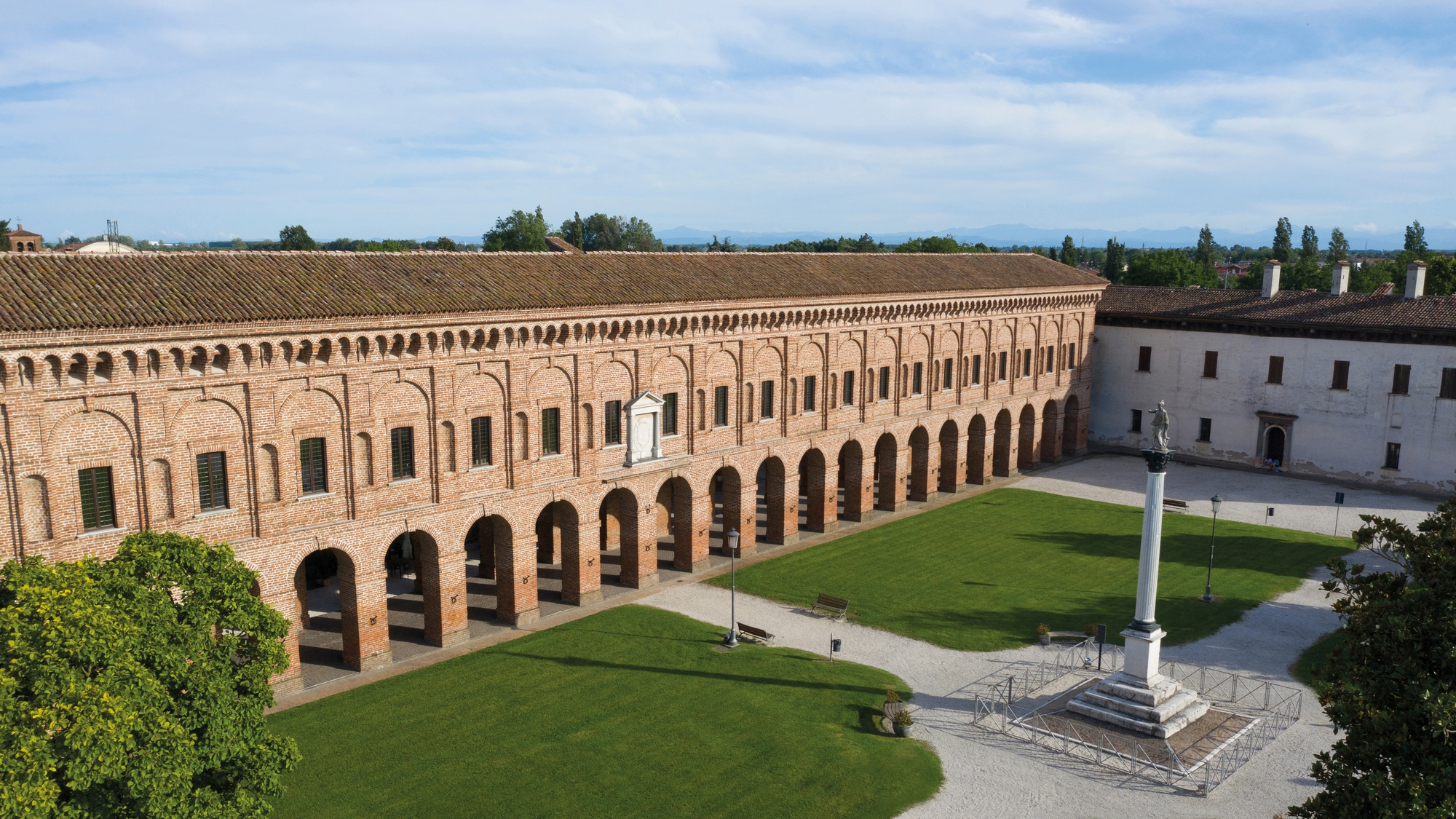 Galleria degli Antichi esterno edit.jpg