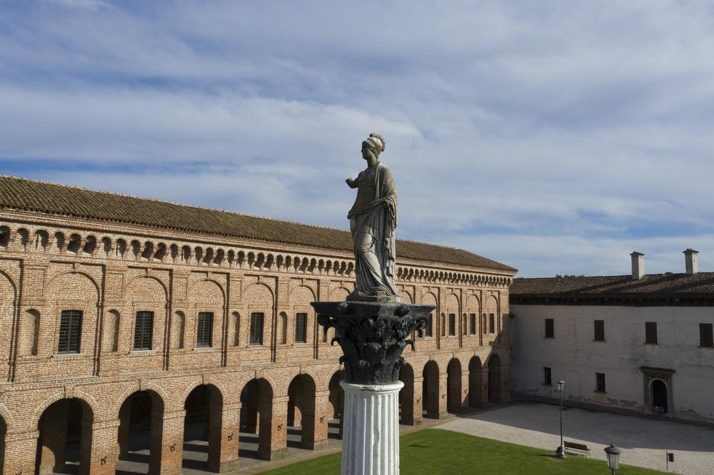 Statua di Minerva.jpg