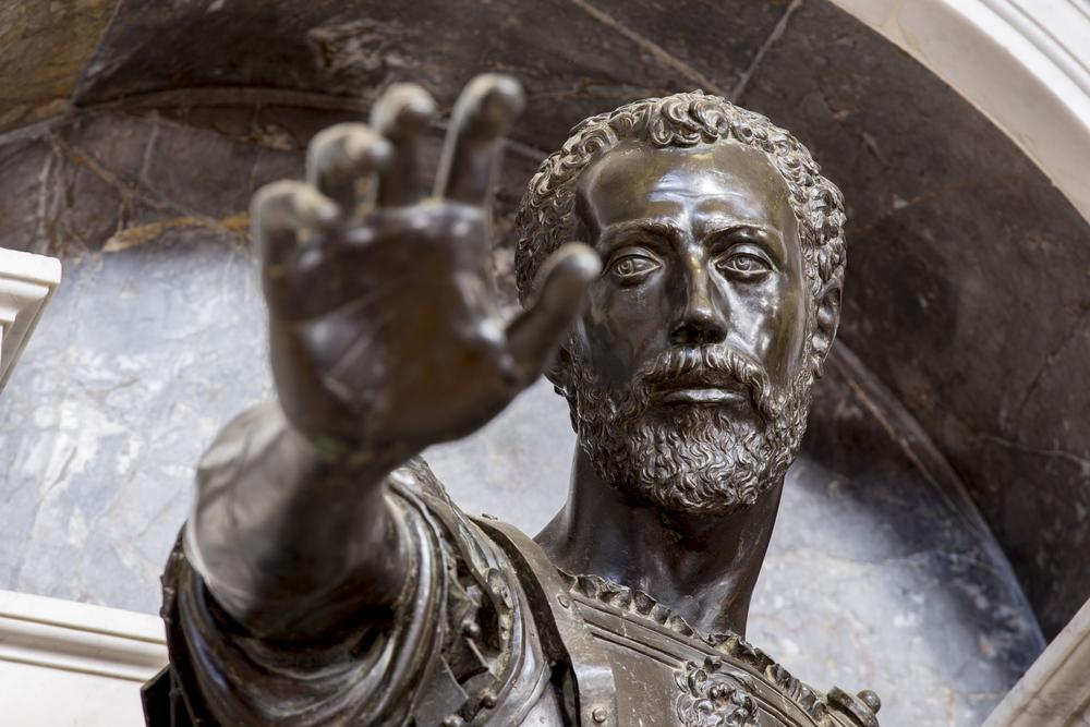 Vespasiano gonzaga Colonna e Sabbioneta - statua del mausoleo.jpg